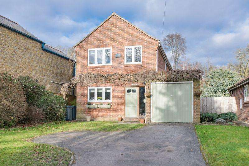 4 Bedrooms Detached House for sale in Bekesbourne