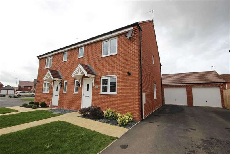 3 Bedrooms Property for sale in Yeats Drive, Chase Meadow, Warwick, CV34