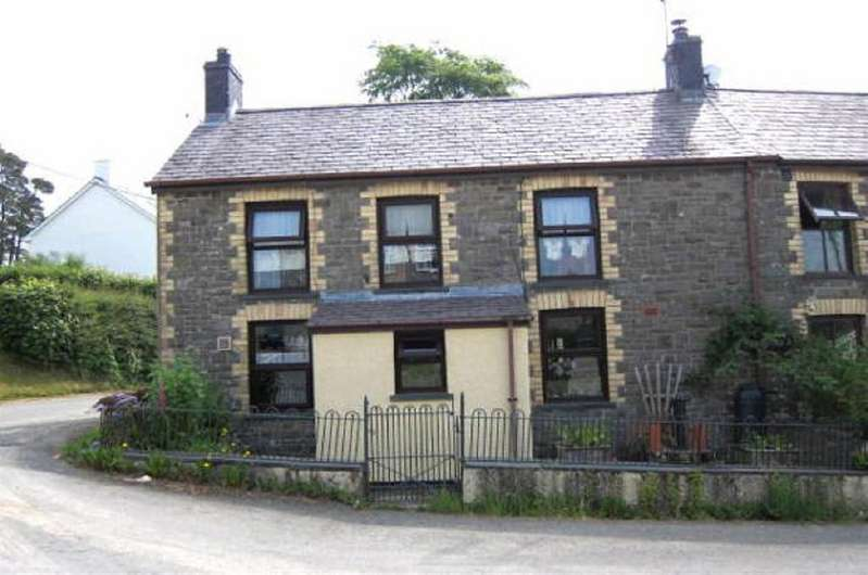3 Bedrooms House for sale in Drovers, Llanwrda, Carmarthenshire