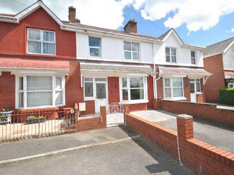 3 Bedrooms House for sale in Myrddin Crescent, Carmarthen, Carmarthenshire