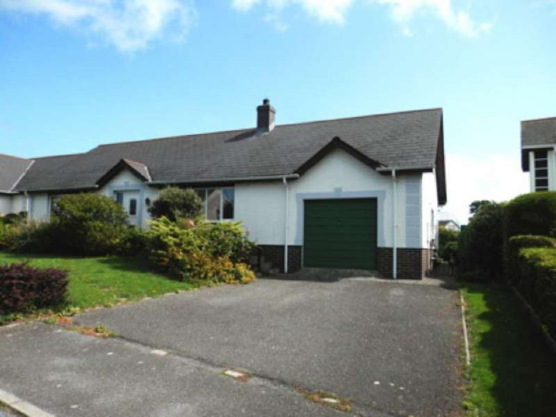 3 Bedrooms Bungalow for sale in Parc Ffos, Aberaeron, Ceredigion