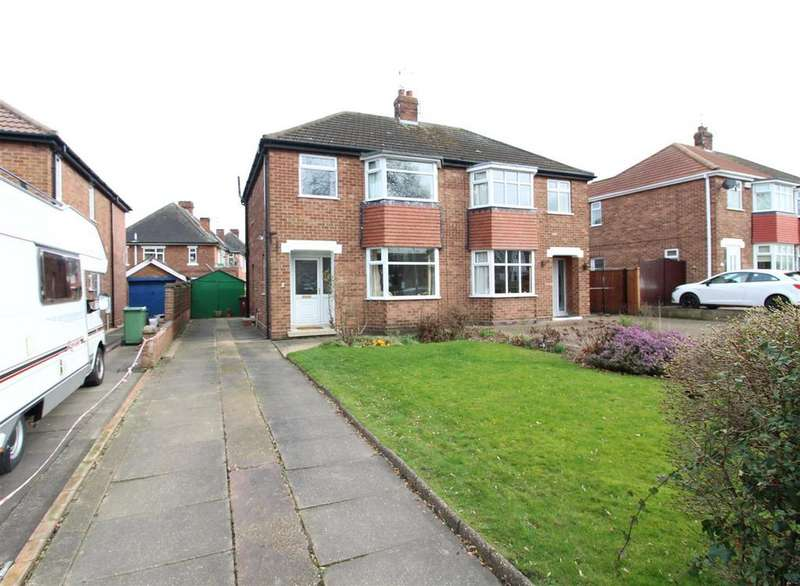 3 Bedrooms Semi Detached House for sale in Ashridge Drive, Cleethorpes