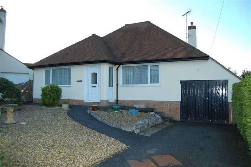 2 Bedrooms Detached Bungalow for sale in Vincent Avenue, Llandudno, Conwy