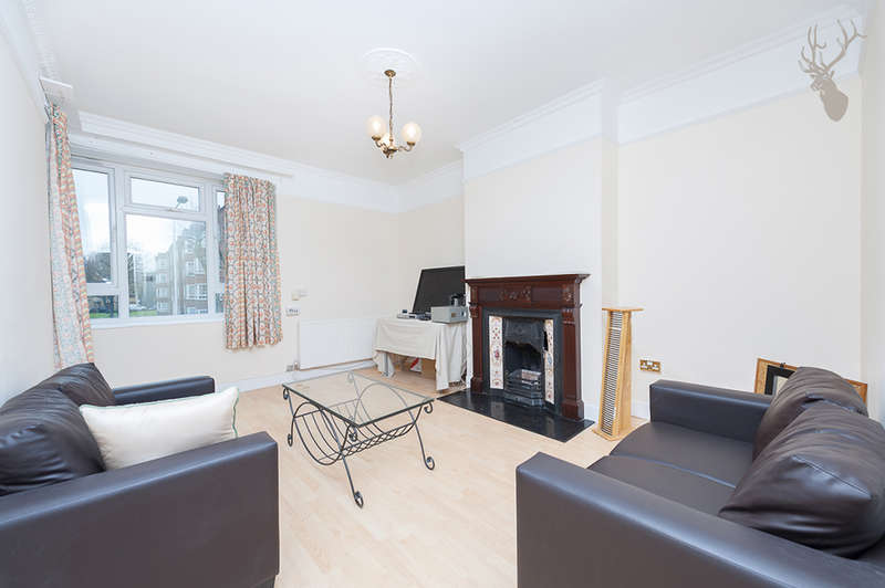 3 Bedrooms Flat for sale in Crofts House, Teale Street, Haggerston, E2