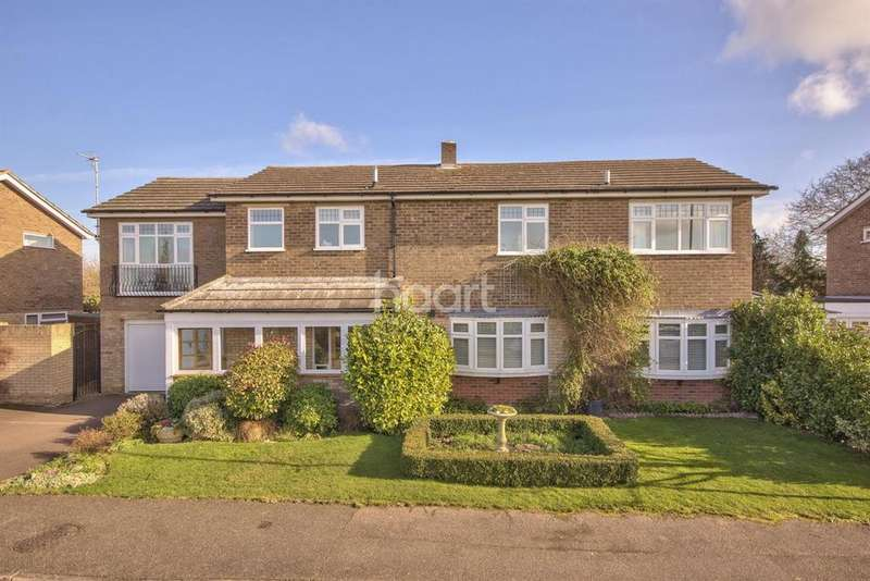 5 Bedrooms Detached House for sale in Spiggots Close, Longstanton