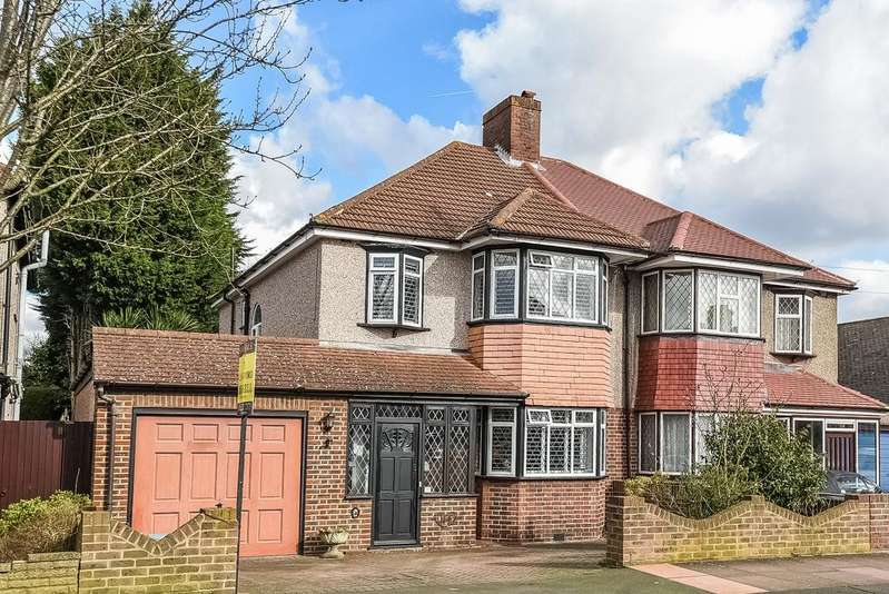 3 Bedrooms Semi Detached House for sale in Hawkhurst Way West Wickham BR4