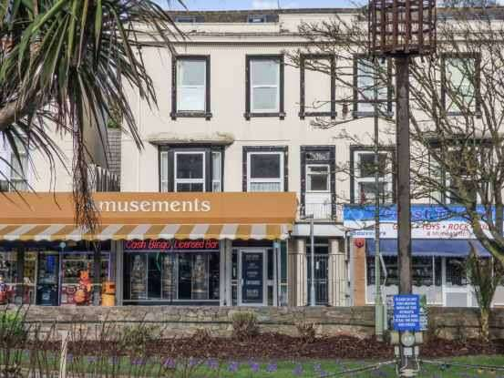 2 Bedrooms Flat for sale in Piermont Place, Dawlish, Devon, EX7 9PH