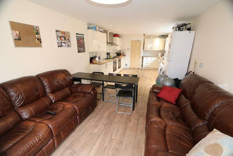 8 Bedrooms House Share for rent in Miskin Street, Cathays, Cardiff