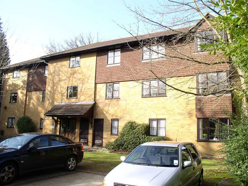 2 Bedrooms Property for sale in Collingwood Place, Walton-On-Thames