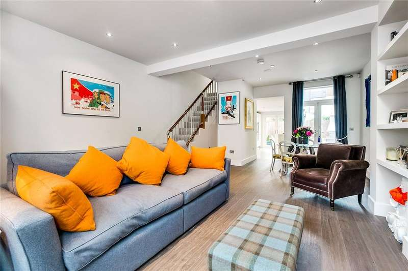 3 Bedrooms Terraced House for sale in Disbrowe Road, Hammersmith, London