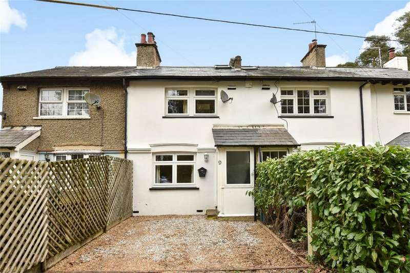 3 Bedrooms Terraced House for sale in Bordon, Hampshire