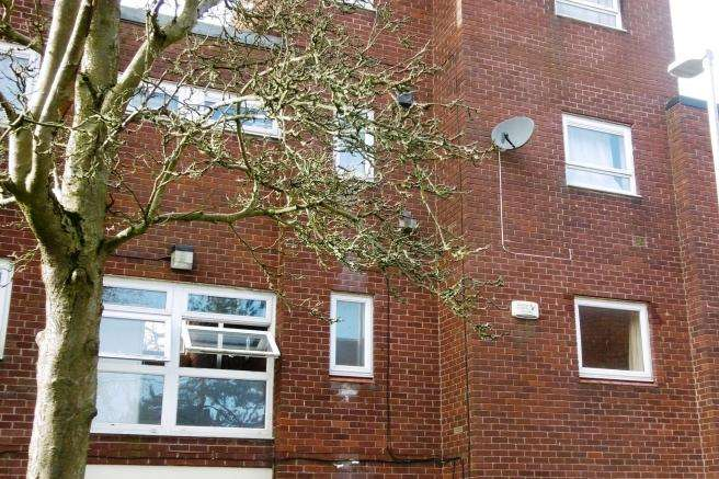 2 Bedrooms Apartment Flat for sale in 161 Burford, Brookside, Telford, Shropshire, TF3 1LW