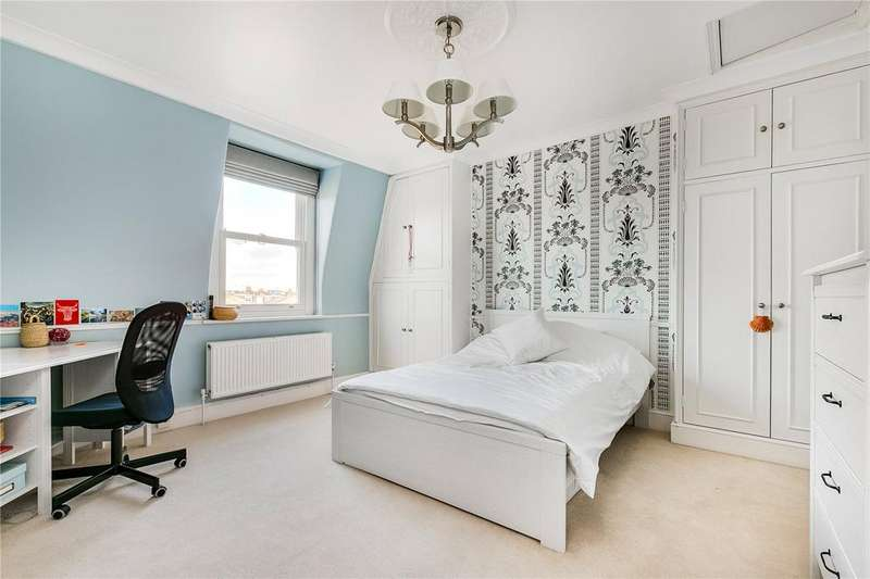 3 Bedrooms Flat for sale in Fulham Road, Parsons Green, London