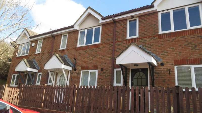 3 Bedrooms Terraced House for sale in Turner Close, Guildford