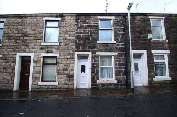 3 Bedrooms Terraced House for sale in Lee Street, Accrington, Lancashire, BB5 6RP