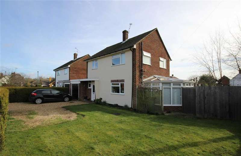 3 Bedrooms Property for sale in Laburnum Road, Farnham