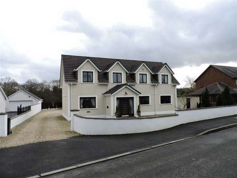 3 Bedrooms Property for sale in Waunfarlais Road, Llandybie
