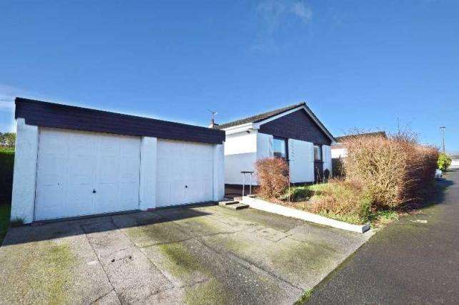 3 Bedrooms Bungalow for sale in Seafield Crescent, Onchan, IM3 3BZ