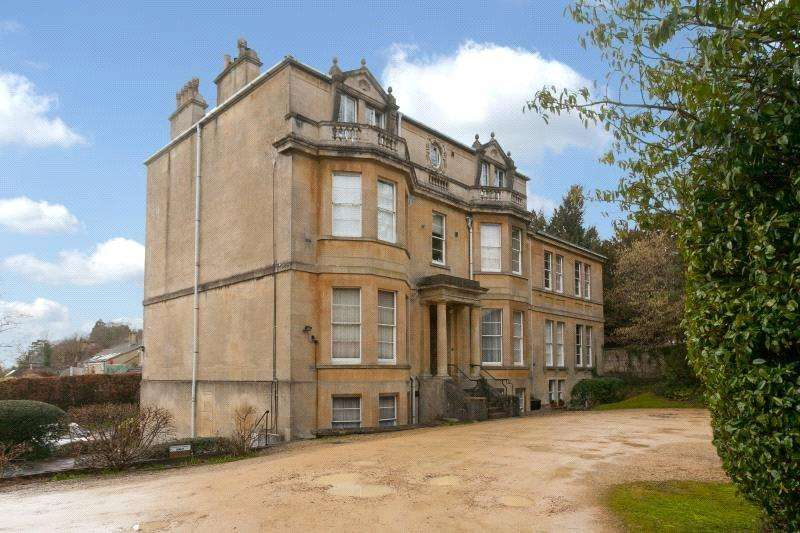 2 Bedrooms Flat for sale in Beaumont House, Lansdown Road, Bath, BA1