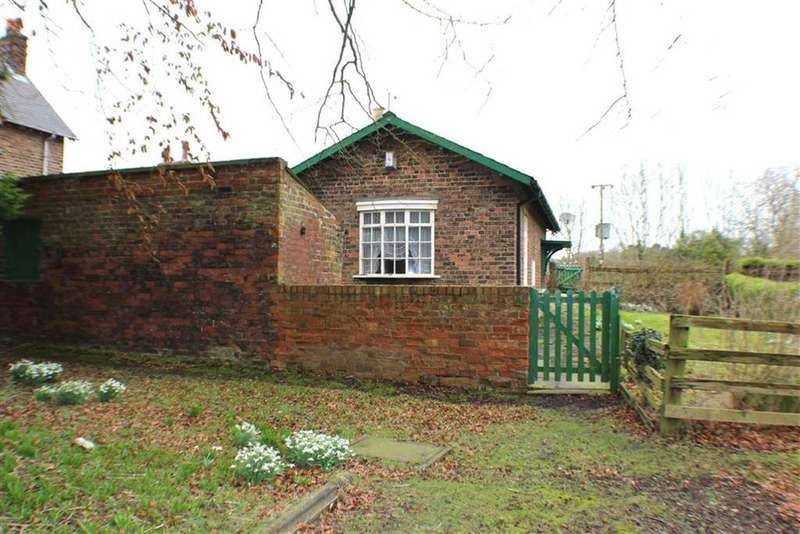 2 Bedrooms Semi Detached Bungalow for sale in Moor Lane, Carnaby, East Yorkshire