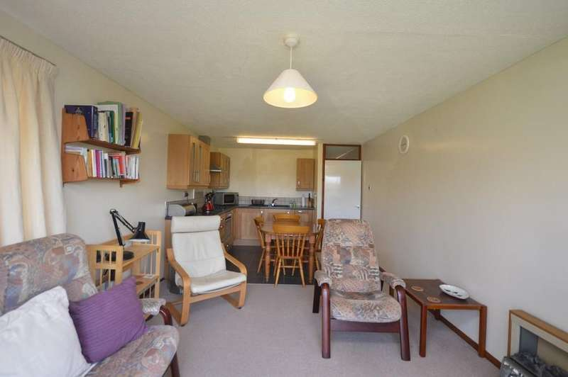 2 Bedrooms Apartment Flat for sale in 24 Ffordd Glyder, Y Felinheli, North Wales