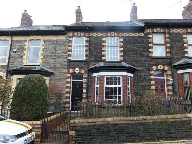 3 Bedrooms Terraced House for sale in Victoria Road, Cwmfields, PONTYPOOL