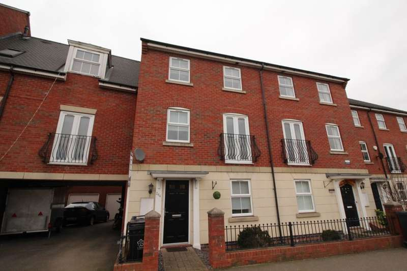 4 Bedrooms Property for sale in Sandhills Avenue, Hamilton, Leicester, LE5
