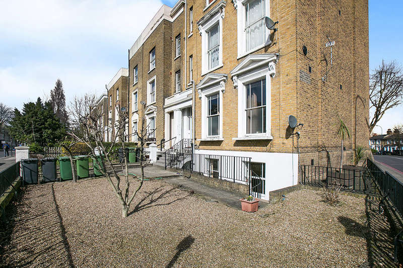 2 Bedrooms Flat for sale in Lewisham Way Lewisham Way, New Cross, London, SE14