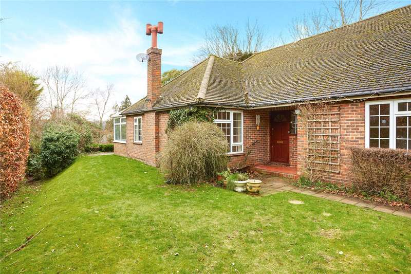 3 Bedrooms Detached Bungalow for sale in Tupwood Lane, Caterham, Surrey, CR3