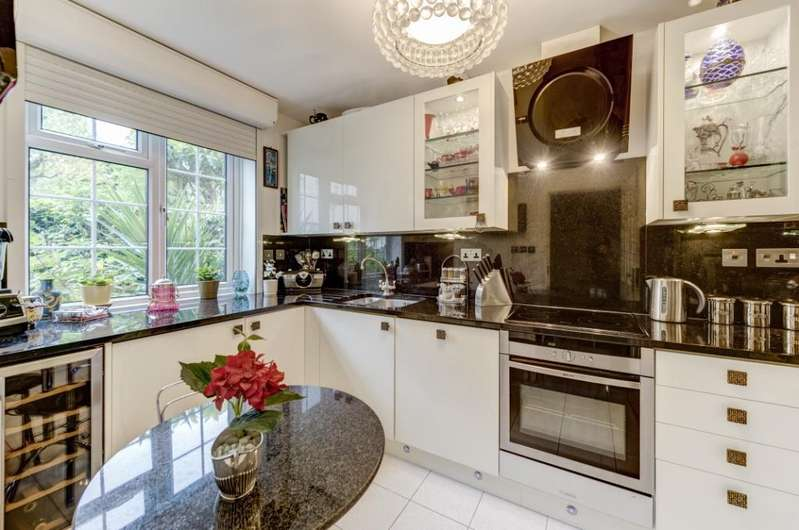 3 Bedrooms Semi Detached House for sale in Randolph Avenue, Little Venice, London, W9