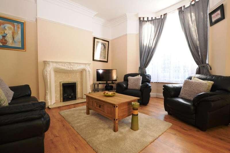 4 Bedrooms Semi Detached House for sale in Castledine Road London SE20