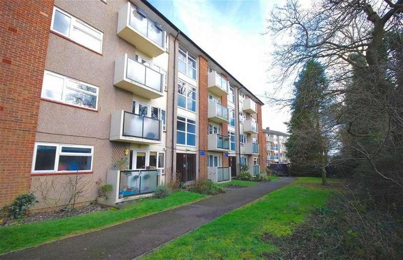 2 Bedrooms Flat for sale in Hawksmoor, Shenley