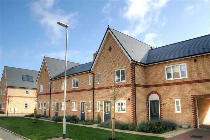 2 Bedrooms Terraced House for sale in Repton Gardens, Milton, Cambridge