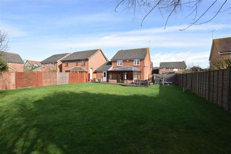 4 Bedrooms Detached House for sale in Roman Close, Heybridge, Essex