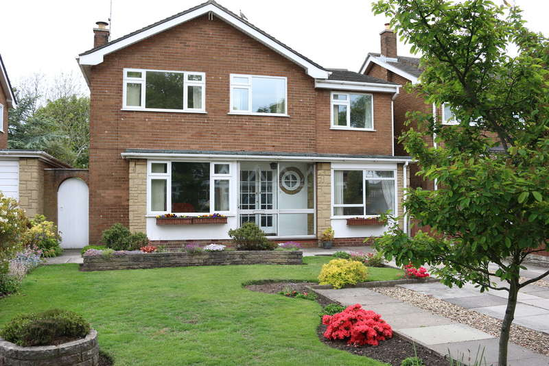 5 Bedrooms Detached House for sale in Preston New Road, Southport