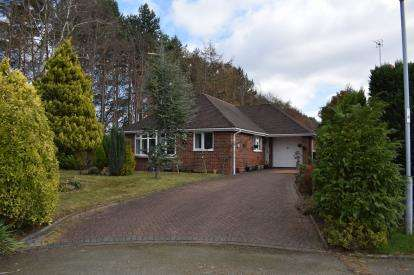 2 Bedrooms Bungalow for sale in Hitch Lowes, Chelford, Macclesfield, Cheshire
