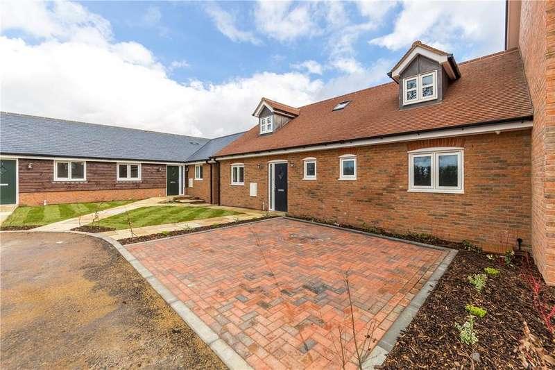 4 Bedrooms Detached Bungalow for sale in Birch Grove, Harpenden, Hertfordshire