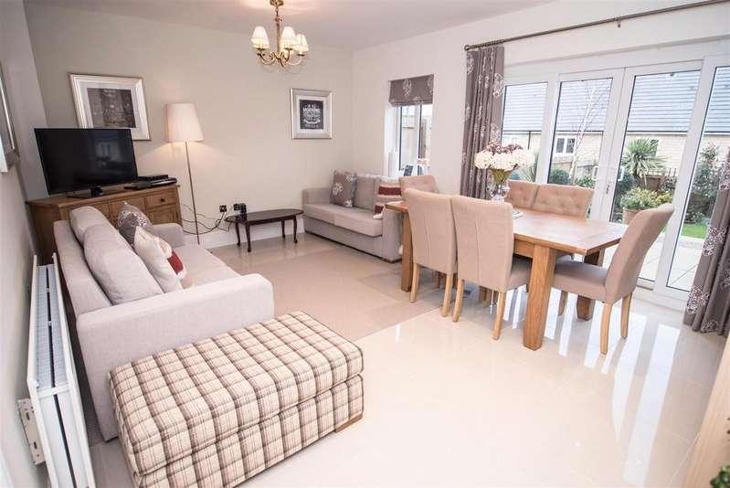 4 Bedrooms Detached House for sale in Strike Lane, Skelmanthorpe, Huddersfield, HD8 9AY