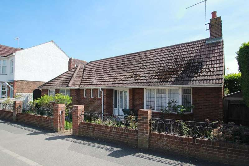2 Bedrooms Detached Bungalow for sale in Portland Road, Hove, East Sussex, BN3 5SD