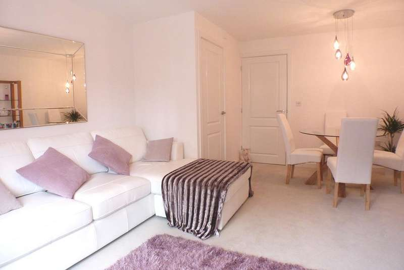 2 Bedrooms Terraced House for sale in Coles Close, Swansea