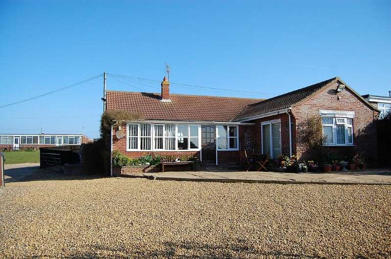 3 Bedrooms Detached Bungalow for sale in Holiday Park with Residential Property