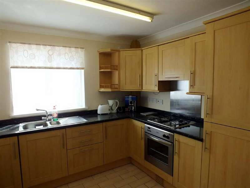 2 Bedrooms Apartment Flat for sale in London Road, Pembroke Dock
