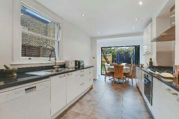 4 Bedrooms Terraced House for sale in PROSPERO ROAD Whitehall Park N19 3QX