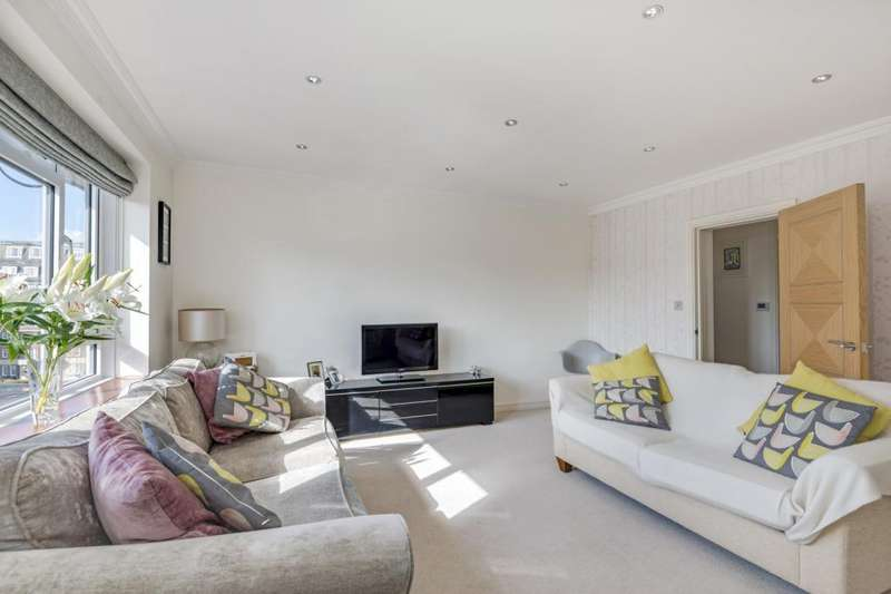 3 Bedrooms Flat for sale in Pembroke Terrace, Queens Grove, St John's Wood, London, NW8