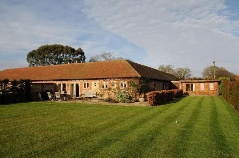3 Bedrooms Barn Conversion Character Property for sale in West Broyle, Chichester