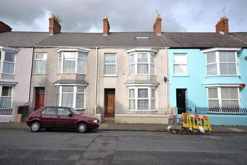 3 Bedrooms Terraced House for sale in Hawkstone Road, Pembroke Dock