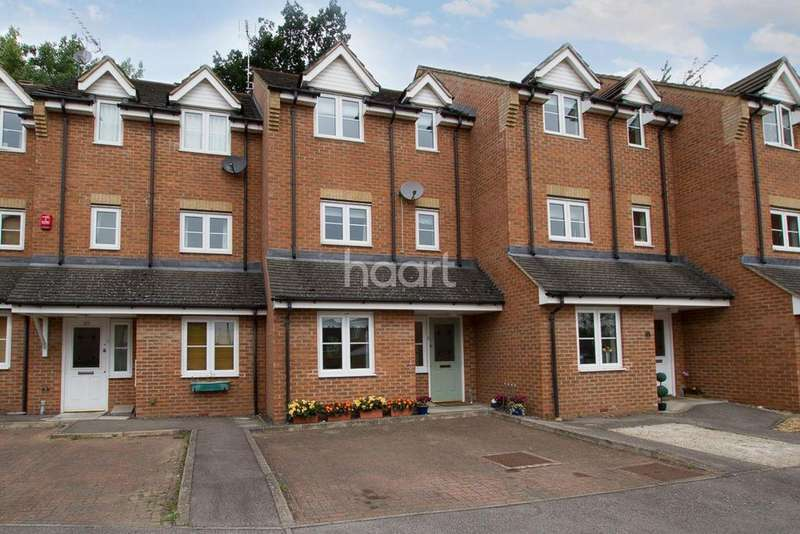3 Bedrooms Terraced House for sale in Ennerdale Drive, Watford, WD25