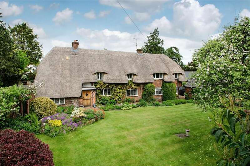 4 Bedrooms Detached House for sale in Winchester Road, Chawton, Alton, Hampshire, GU34