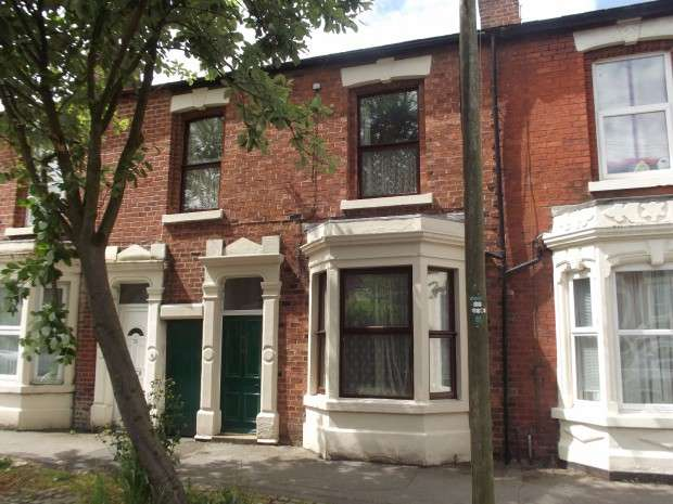 4 Bedrooms Terraced House for sale in Brackenbury Road, Preston, PR1