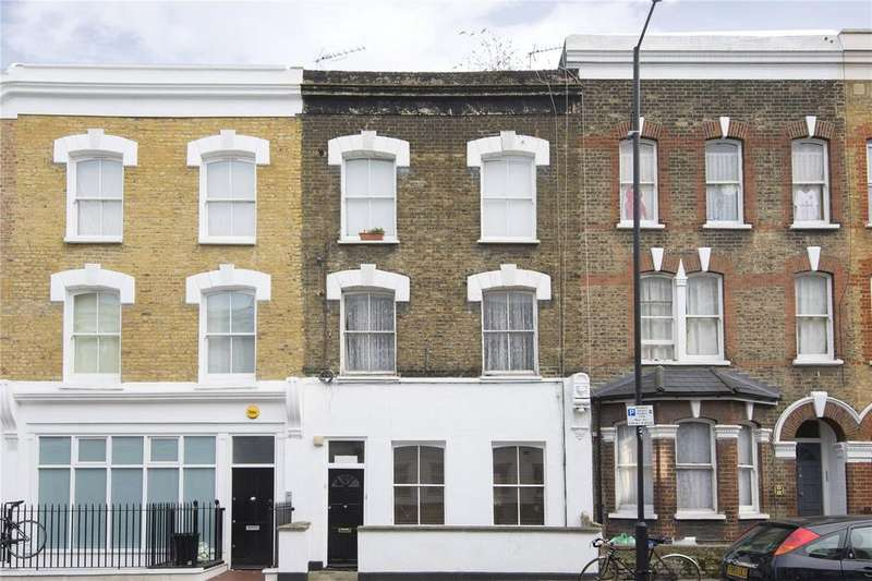3 Bedrooms Flat for sale in Chatsworth Road, London, E5
